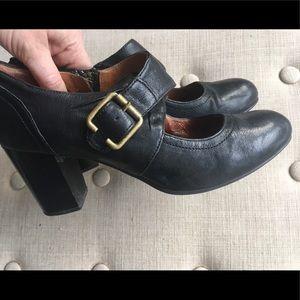 Clarks Indigo black heels